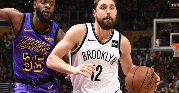 NBA: ميلووكي يعزز صدارته شرقياً والليكرز خارج النهائيات