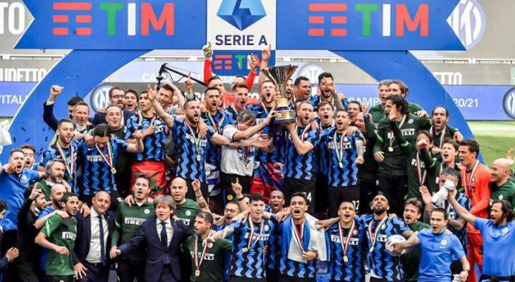 موسم استثنائي في الكرة الإيطالية تصدر مشهده قطبي مدينة ميلانو