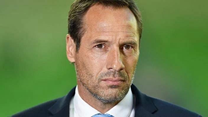إصابة مدرب منتخب اليونان بفيروس كورونا