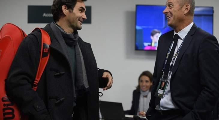 فيدرير وديمتروف وزفريف يتقدمون في بطولة باريس بيرسي الدولية