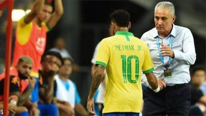 طبيب منتخب البرازيل يطمئن الجماهير على حالة نيمار