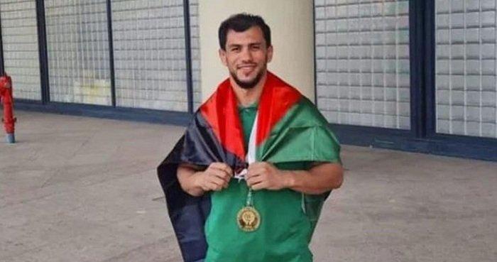 استقبال الأبطال لنورين في الجزائر بعد رفضه مواجهة اسرائيلي