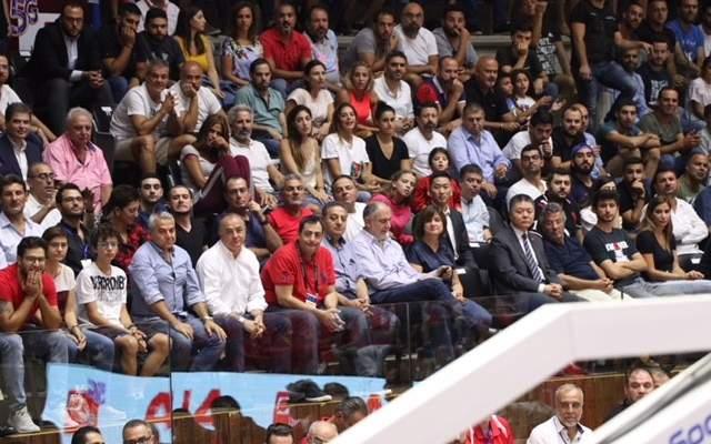مشاهدات من مباراة لبنان والصين