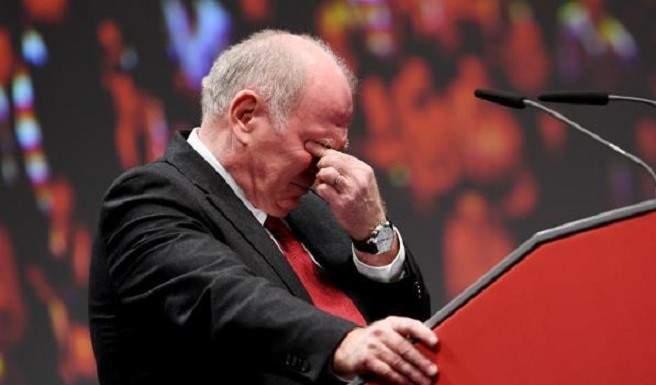 أولي هونيس يودع رئاسة بايرن ميونيخ بالدموع