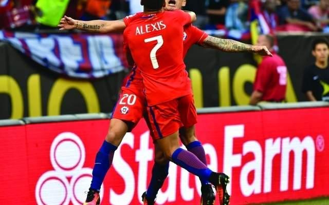 باير ليفركوزن يسارع لتحصين نجمه التشيلي