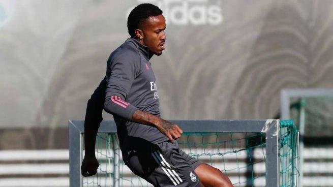 ميليتاو يتعافى من كورونا ويشارك في تدريبات ريال مدريد