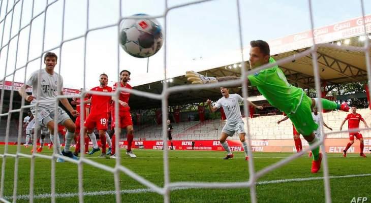 غياب الضغط الجماهيري ساعد الحكام في اتخاذ قرارات صحيحة في  الدوري الألماني