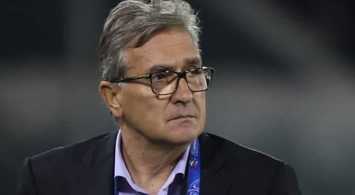 مدرب منتخب عُمان يعلن تخفيض راتبه بسبب كورونا