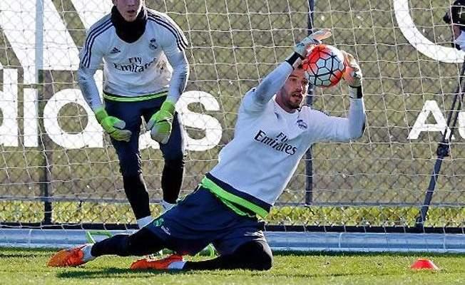 كيكو كاسيا يستعد لمواجهة مانشستر سيتي بقميص ريال مدريد