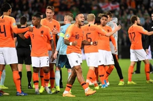 موجز الصباح: هولندا تتفوق على ايرلندا الشمالية، بلجيكا تضمن التأهل، هوبس يهزم الحكمة وميسي يحضر في  سيرك دو سوليل