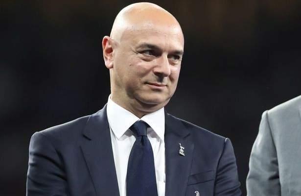 لقاء غير متوقع بين مشجع ورئيس نادي توتنهام