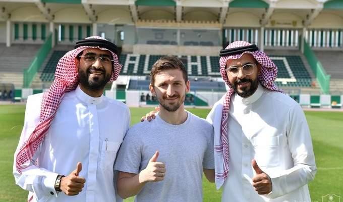 الاهلي السعودي يتعاقد مع لاعب دولي الماني سابق
