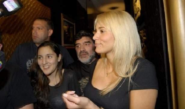 ابنتا الراحل دييغو مارادونا تمثلان أمام المدعي العام