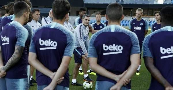 برشلونة يكشف عن موعد انطلاق استعداداته للموسم الجديد