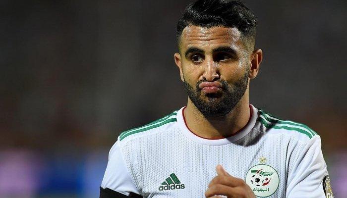 بلماضي يخرج محرز من تدريبات الجزائر بالقوة