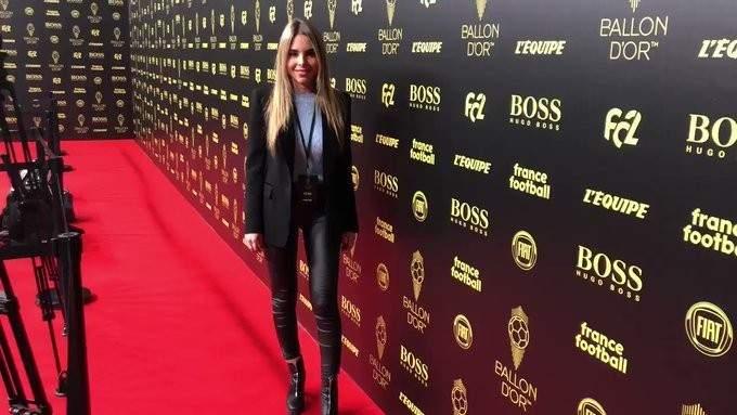 الصحفية الحسناء كونديس تعلن الفائز بالكرة الذهبية