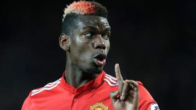 بول بوغبا يتجه لتمديد تعاقده مع مانشستر يونايتد