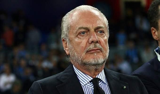 رئيس نابولي يقرّر الخصم من رواتب لاعبي الفريق