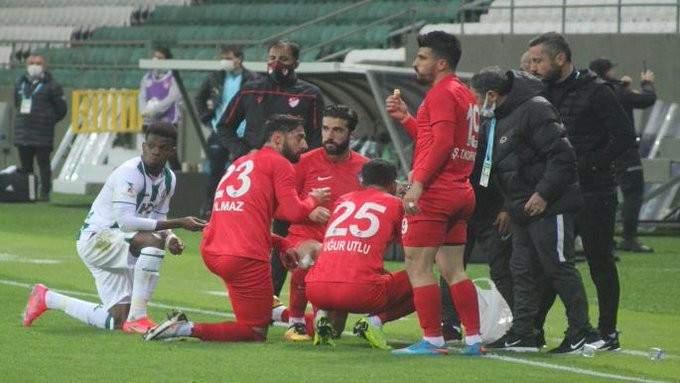ايقاف مباراة بالدوري التركي كي يتسنّى للاعبين الافطار