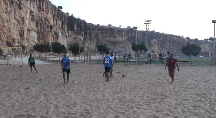 الكرة الشاطئية: اف سي بيروت يفوز على الرويالز بمباراة مجنونة