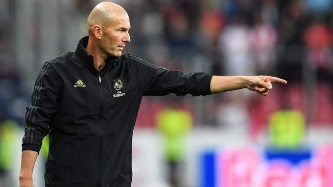 ماركا: زيدان يستعد لتقديم استقالته من تدريب ريال مدريد