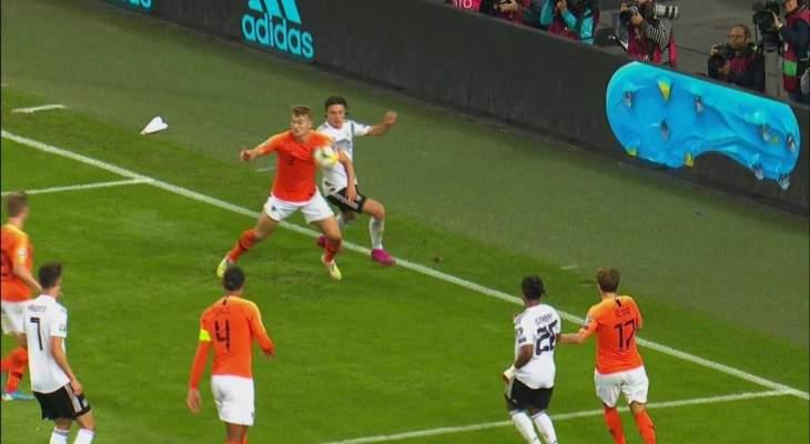 ركلة جزاء مستحقة لالمانيا وهدف صحيح لهولندا