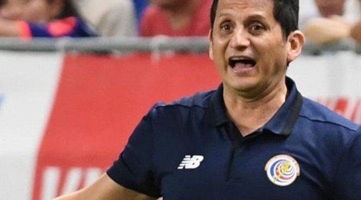 اقالة مدرب كوستاريكا بعد رباعية اميركا