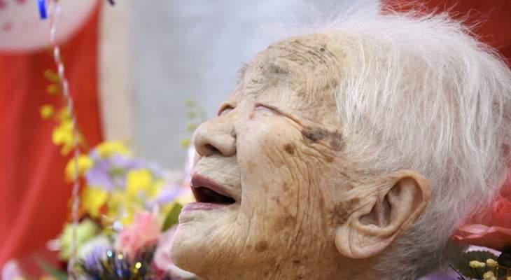 انسحاب اكبر معمّرة يابانية من مسيرة الشعلة الأولمبية