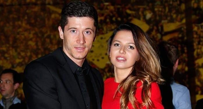 زوجة ليفاندوفسكي: لا يوجد ضوء أزرق وزوجي آلة