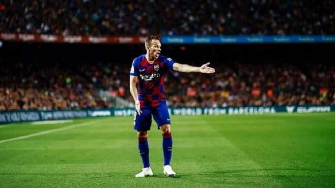 أبيدال يطالب آرثر ميلو بالعودة إلى برشلونة
