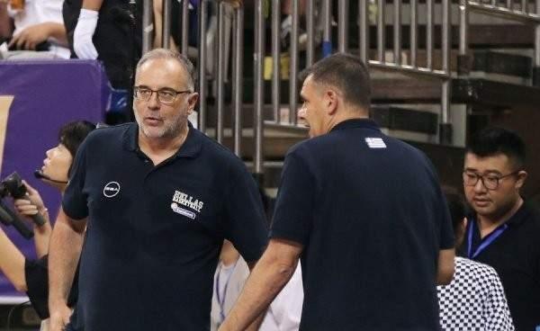 مدرب اليونان: لقد كانت مباراة صعبة وأهنئ الفريق الاميركي