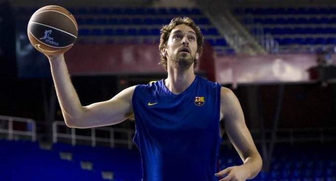برشلونة يطرح قميص باو غاسول