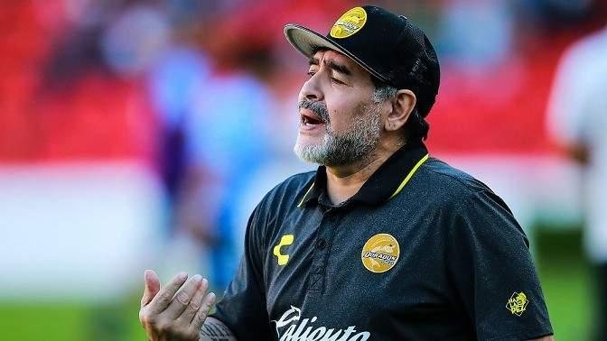 مارادونا يؤيد فرض ضريبة على الأغنياء لمساعدة فقراء الأرجنتين