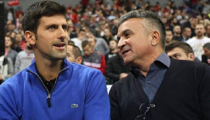 والد نوفاك يؤكد سيطرة نجله على بطولات عام 2021
