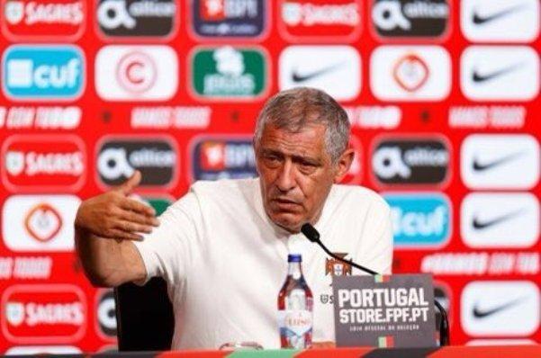 سانتوس: اللاعبون تميزوا امام المجر وفوزنا عادل