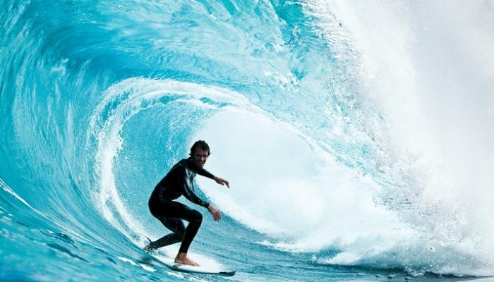 فوائد ومزايا رياضة ركوب الأمواج