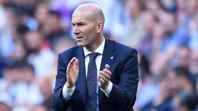 بنزيما يقود تشكيلة ريال مدريد في مواجهة غلطة سراي