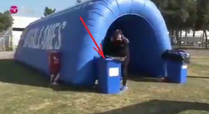 ميغيل أوريلانا يقفز في سلة المهملات احتفالاً بهدفه