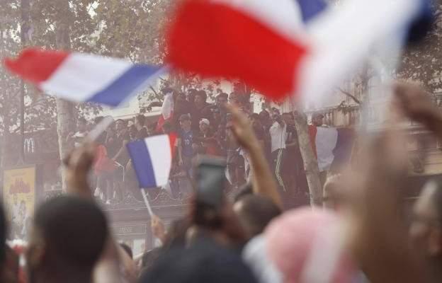 فرنسا: محاكمة 3 قاصرين لاعتدائهم على صحافيين أثناء احتفالية الفوز بكأس العالم