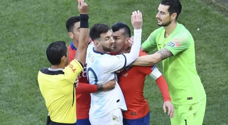 ميسي يُطالب كونميبول بإلغاء البطاقة الحمراء بدعم من الاتحاد الارجنتيني