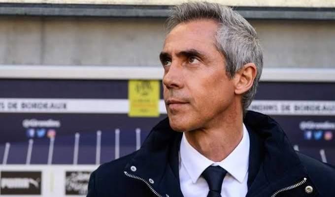 مدرب بوردو الفرنسي يعلن رحيله عن النادي