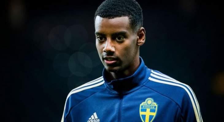 هتافات عنصرية ضد لاعب منتخب السويد خلال مواجهة رومانيا