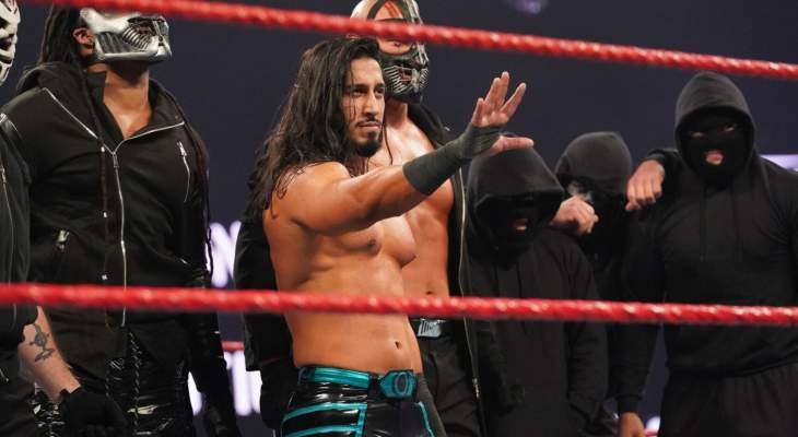 المصارع مصطفى علي معجب بتأثير النجم السعودي منصور في WWE