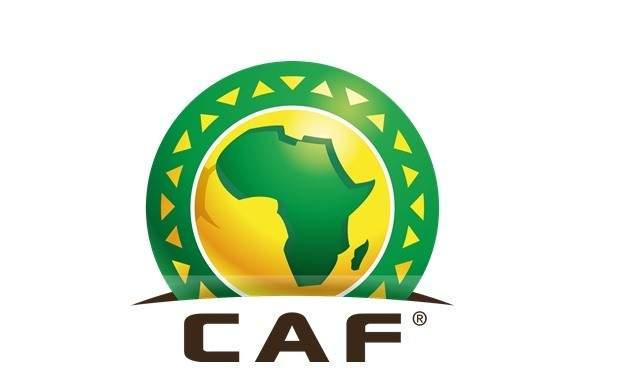 الكاف يغرم المنتخب الجزائري بسبب تصرفات مشجعيه