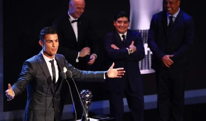 كريستيانو رونالدو ينعي مارادونا بكلمات من القلب