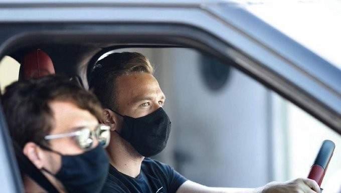 برشلونة يمنع لاعبه من دخول الكامب نو