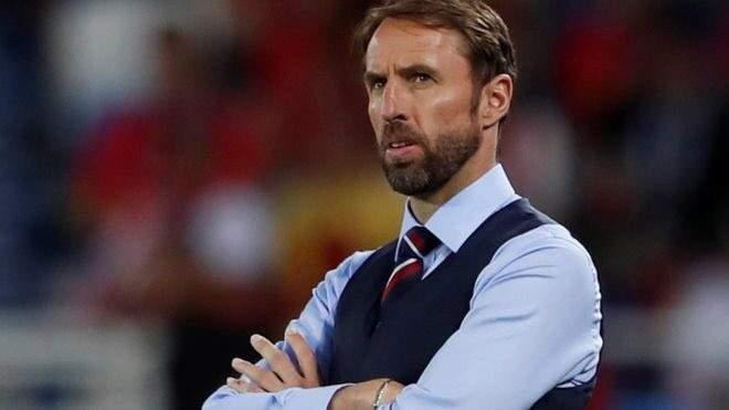 سترلينغ يعود لتشكيلة انكلترا امام كوسوفو