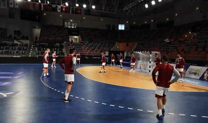 مدرب قطر سعيد بالنتيجة امام اليابان رغم النقص العددي