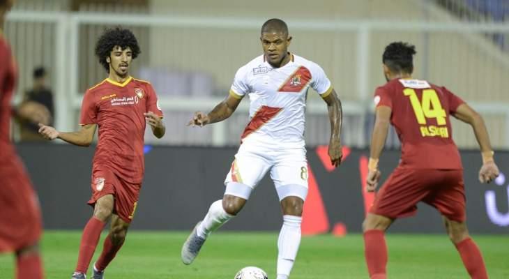 الدوري السعودي: فوز صعب للوحدة على ضمك