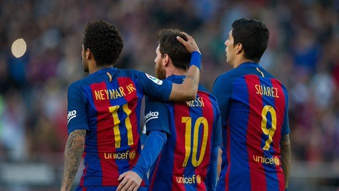 نيمار يدخل على الخط ويؤيد هجوم ميسي على إدارة برشلونة